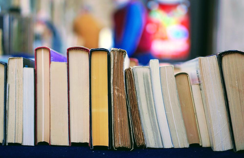 Kirjoja.